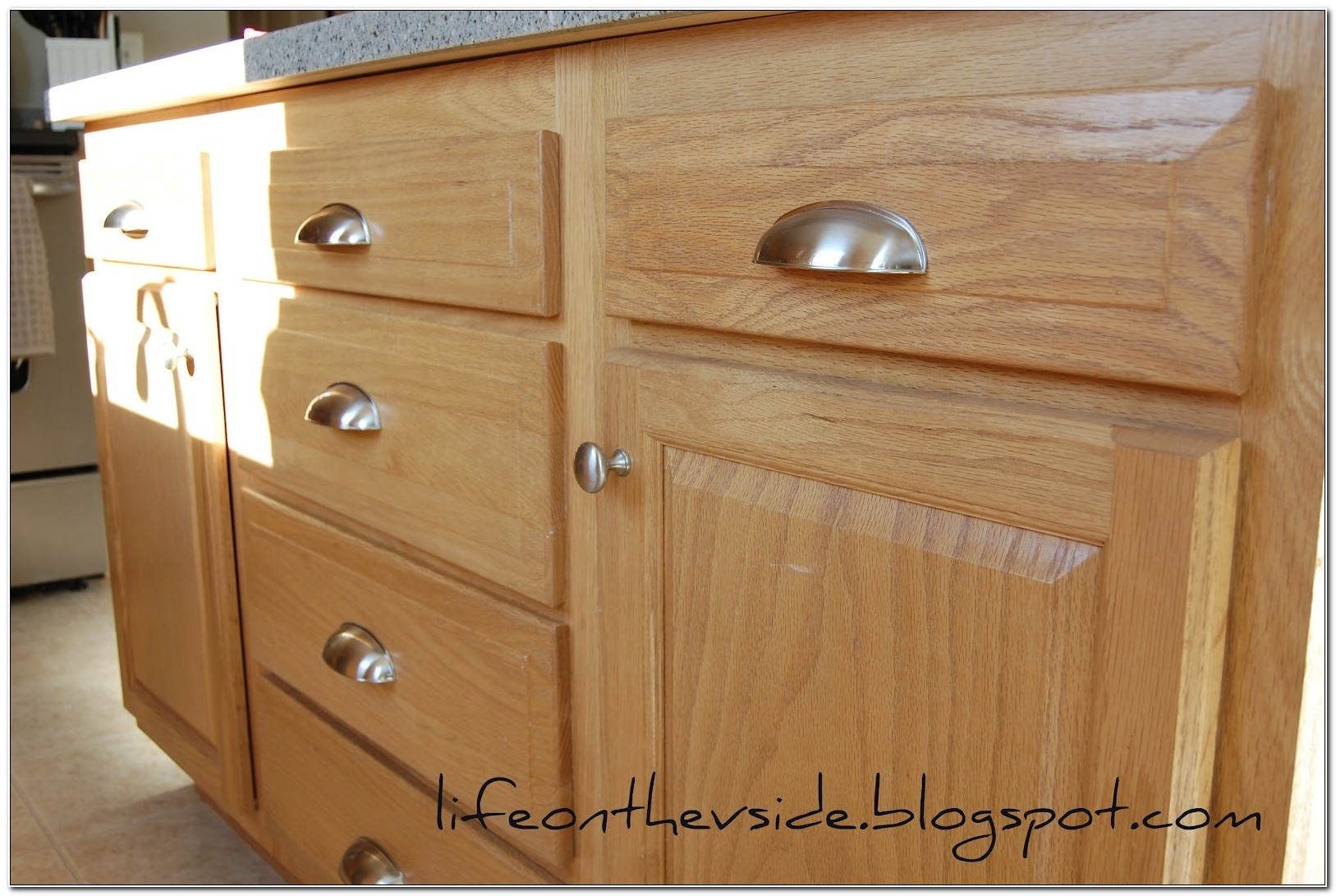 Kitchen Cabinet Door And Drawer Pulls