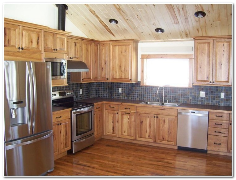 Knotty Hickory Kitchen Cabinets
