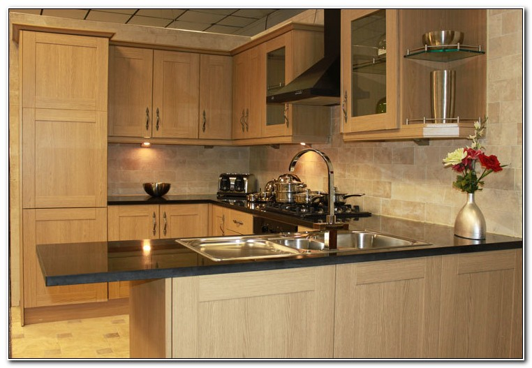 Light Oak Shaker Kitchen Cabinets