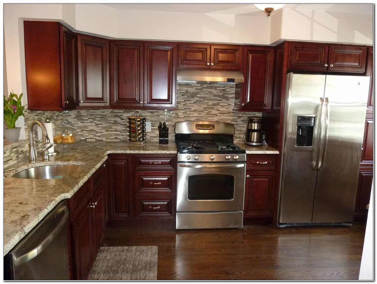Mahogany Cabinets With Granite Countertops