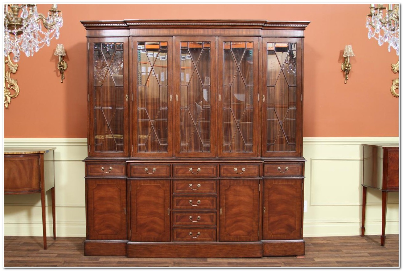 Mahogany China Cabinet With Hutch