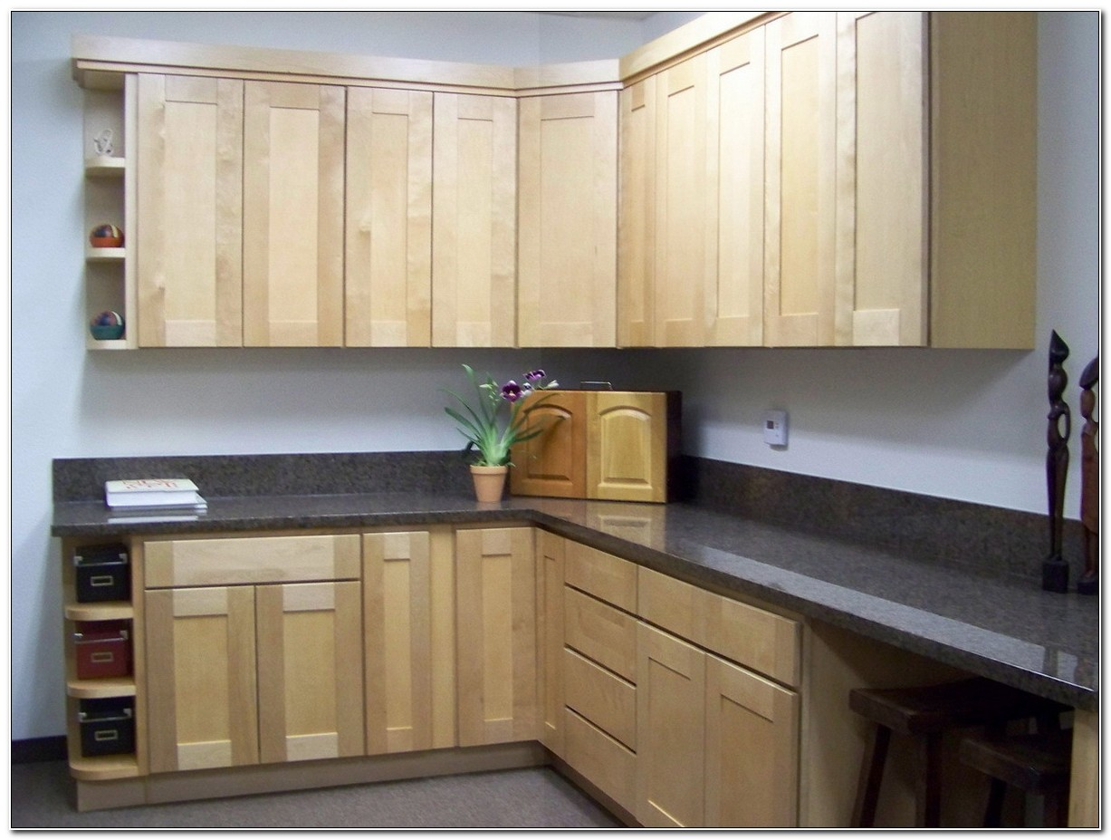 Maple Shaker Kitchen Doors