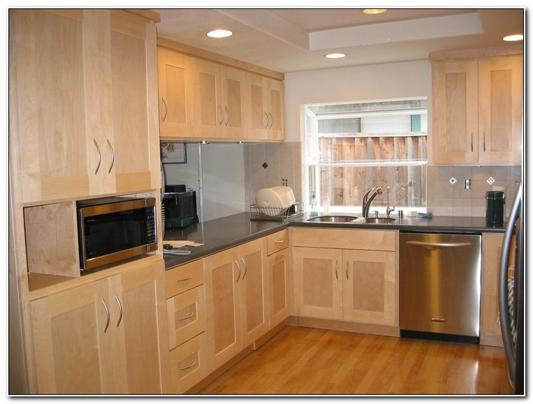 Maple Style Shaker Kitchen Doors