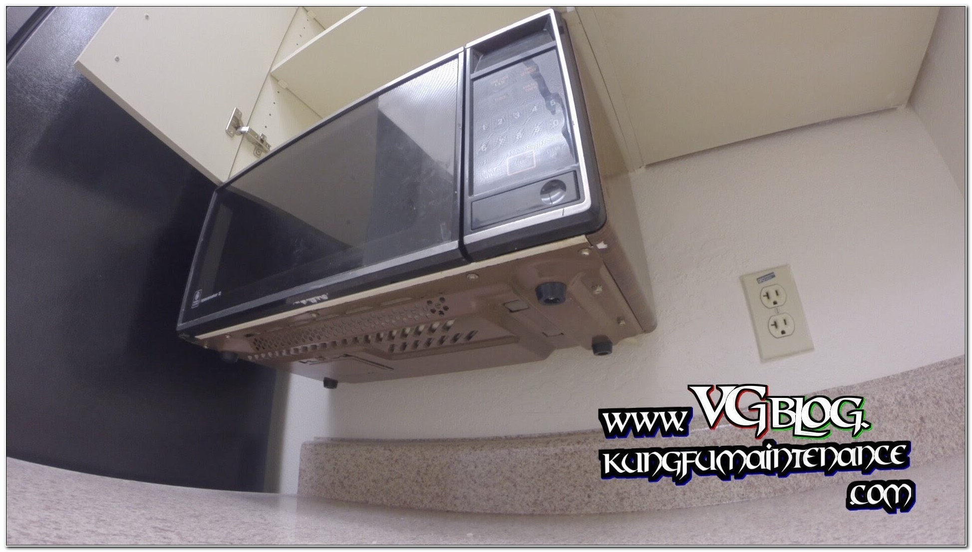 Mounting A Countertop Microwave Under A Cabinet
