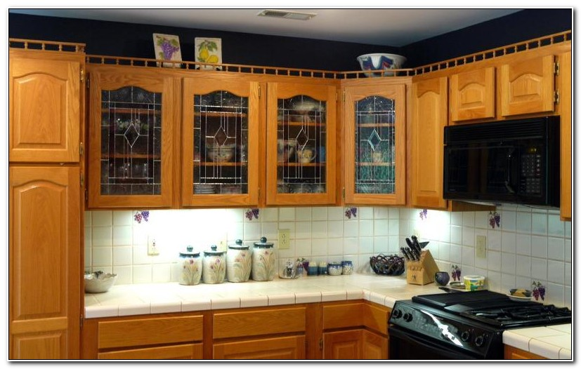 Oak Kitchen Cabinets With Glass Inserts