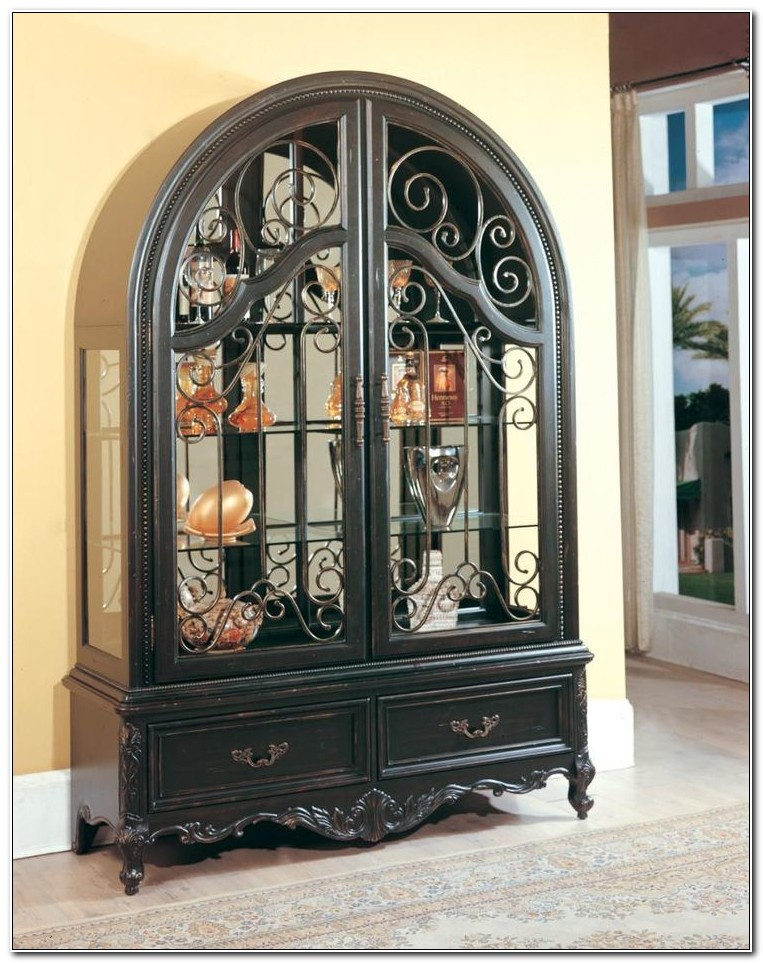 Raymour And Flanigan China Cabinets