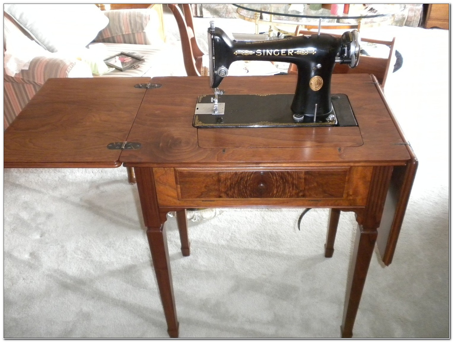 Singer Sewing Machine Cabinets Vintage