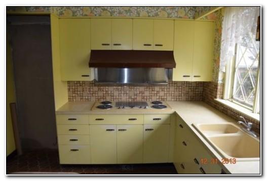 St Charles Vintage Metal Kitchen Cabinets