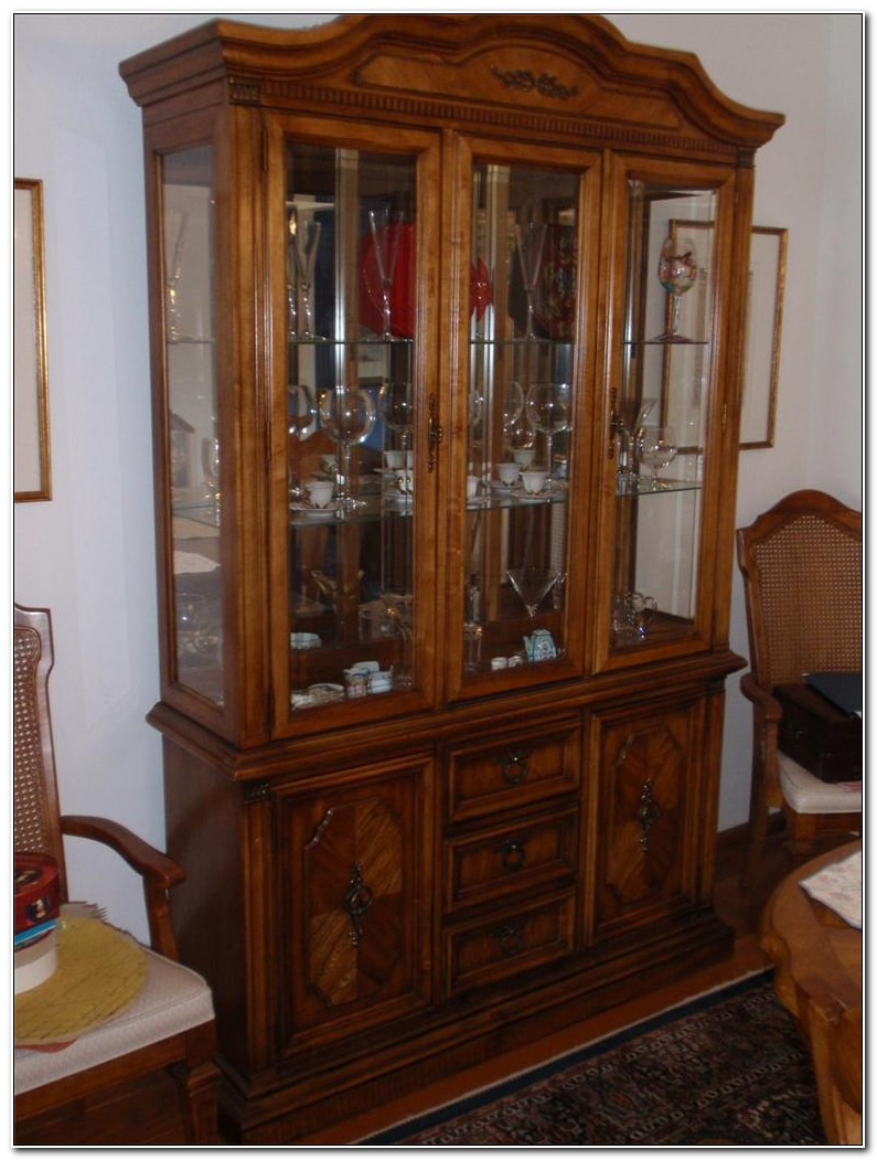 Stanley Furniture Antique China Cabinet
