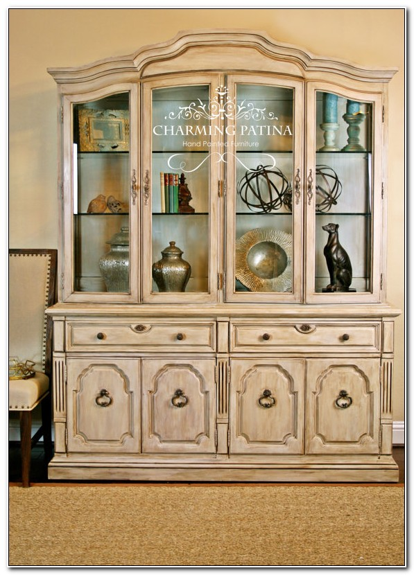 Thomasville China Cabinet With Hutch