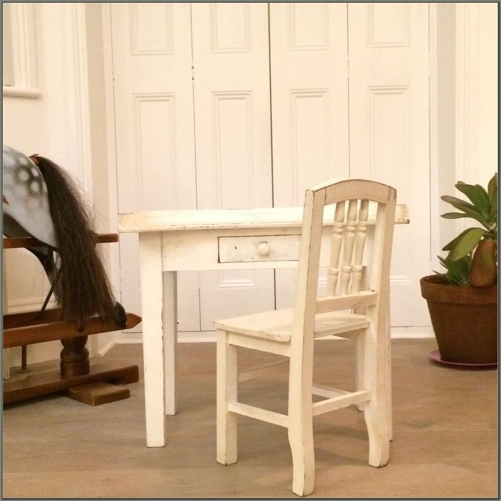 Childs White Desk And Chair