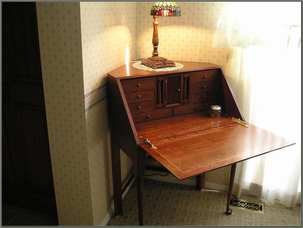 Corner Secretary Desk With Hutch