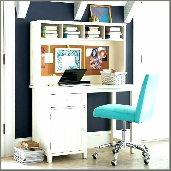 Girls White Desk With Hutch