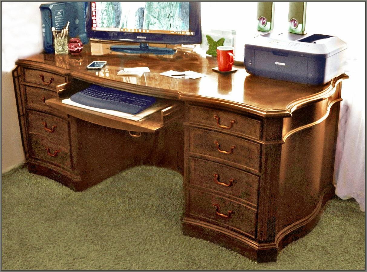 Hooker Seven Seas Desk