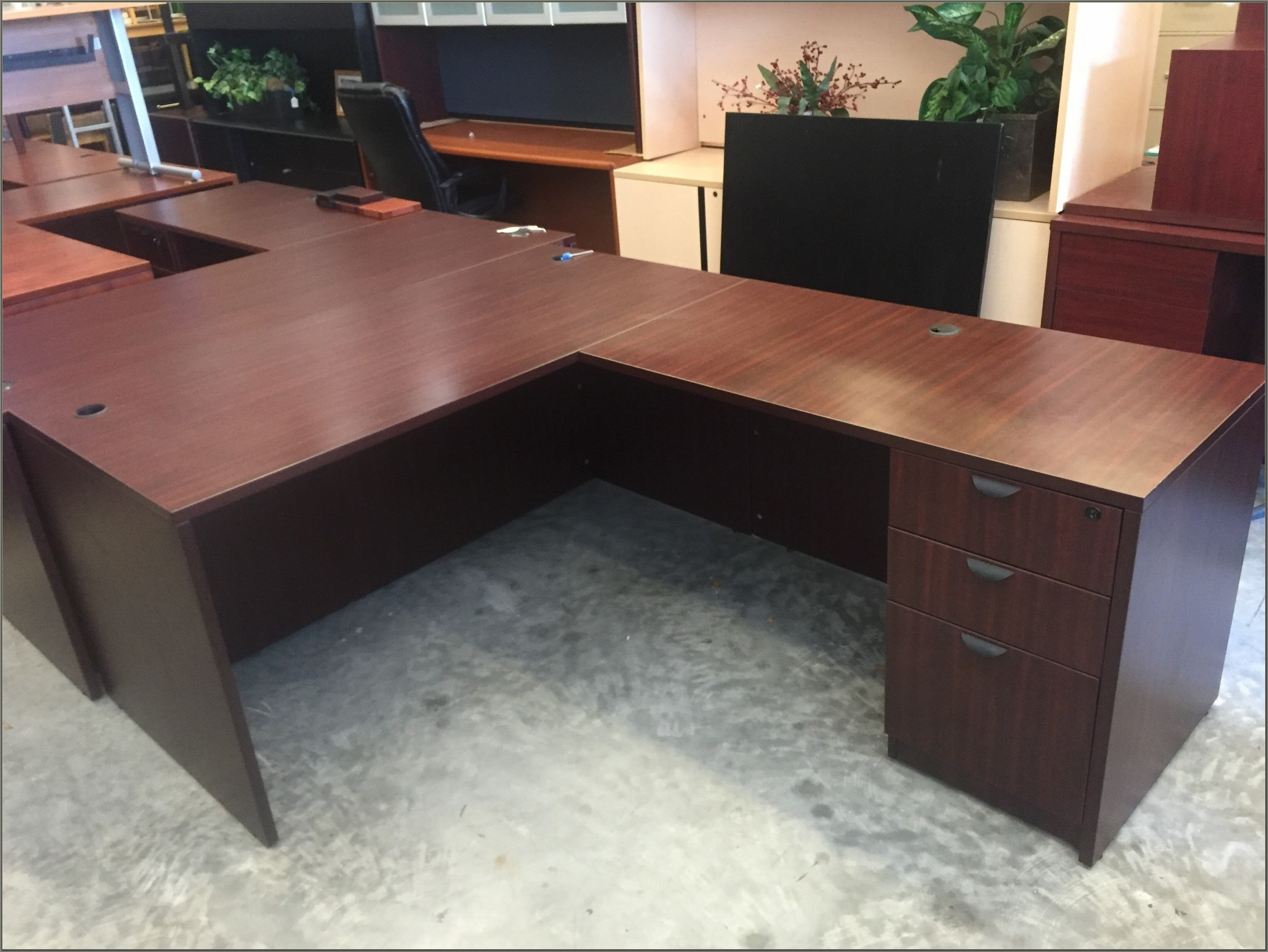 Mahogany L Shaped Desk