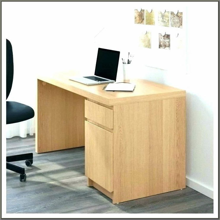 Space Saver Computer Desk With Hutch