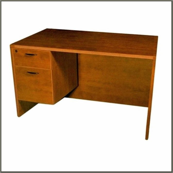 Winners Only Computer Desk With Hutch