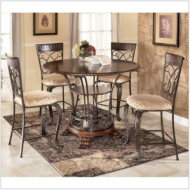 Alyssa Dining Room Set