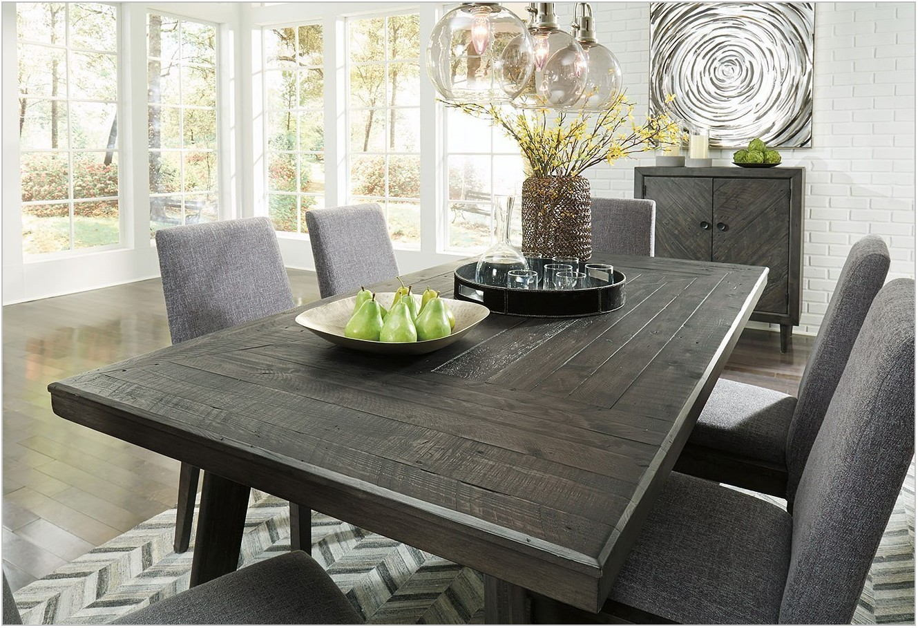 Besteneer Dining Room Set