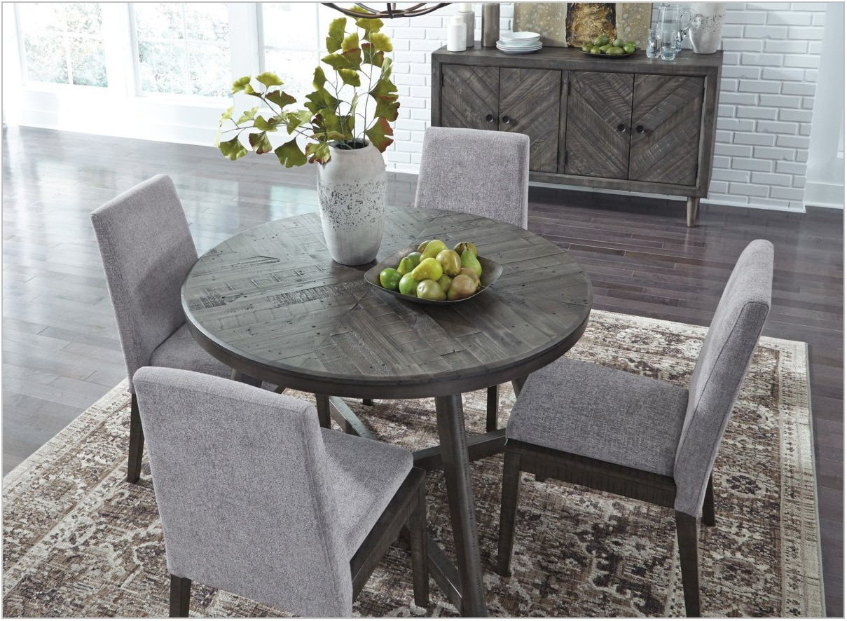 Besteneer Round Dining Room Table