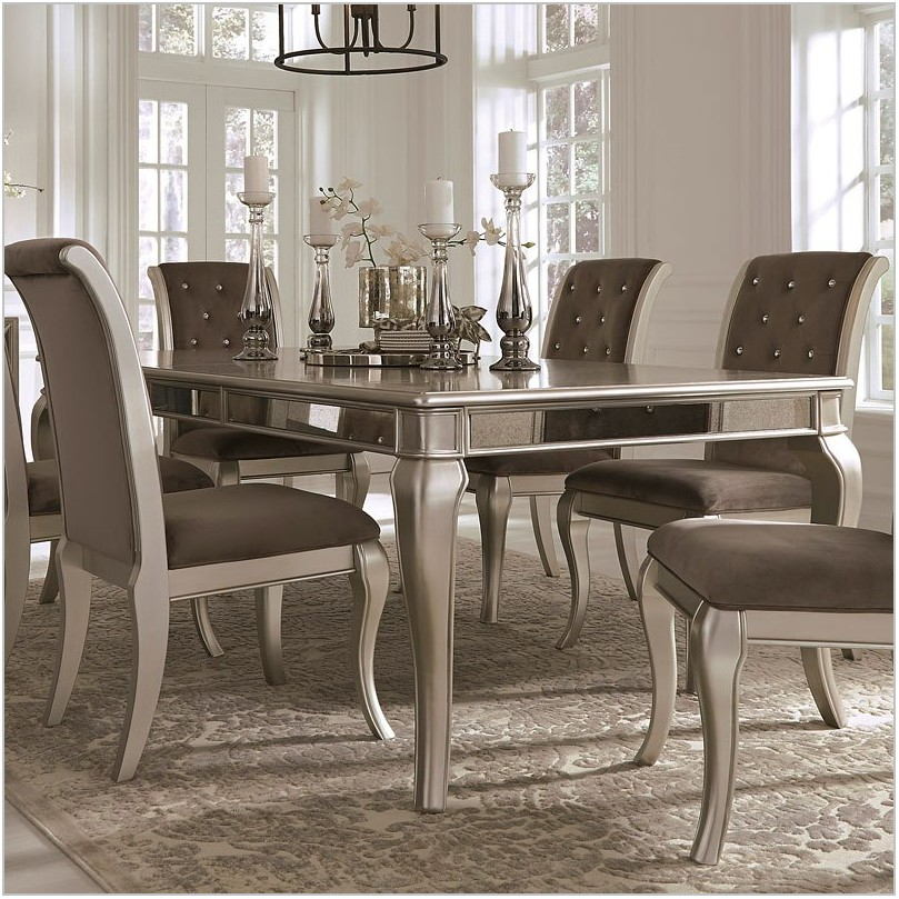 Birlanny Dining Room Set
