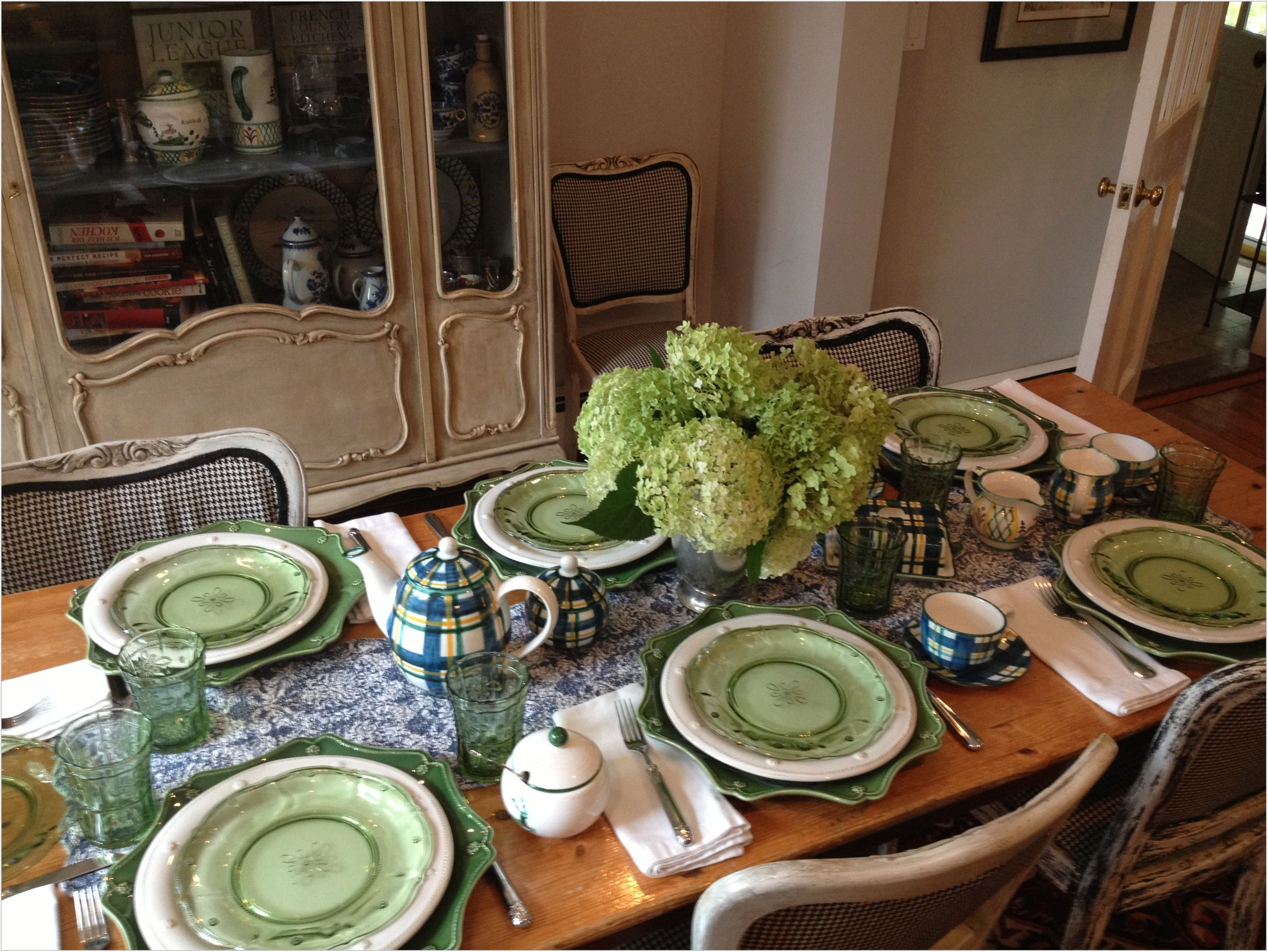 Dining Room Table Chargers