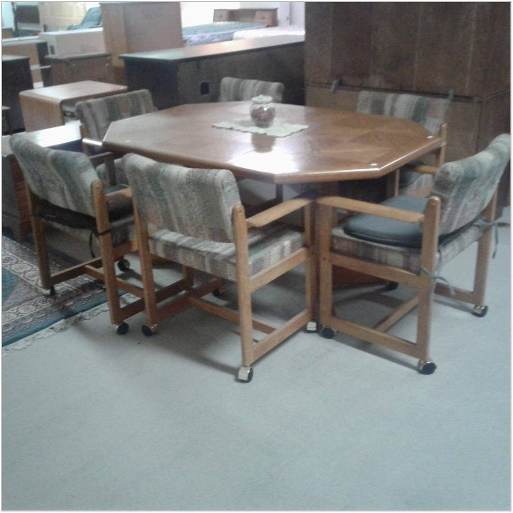 Dining Room Table With Rolling Chairs