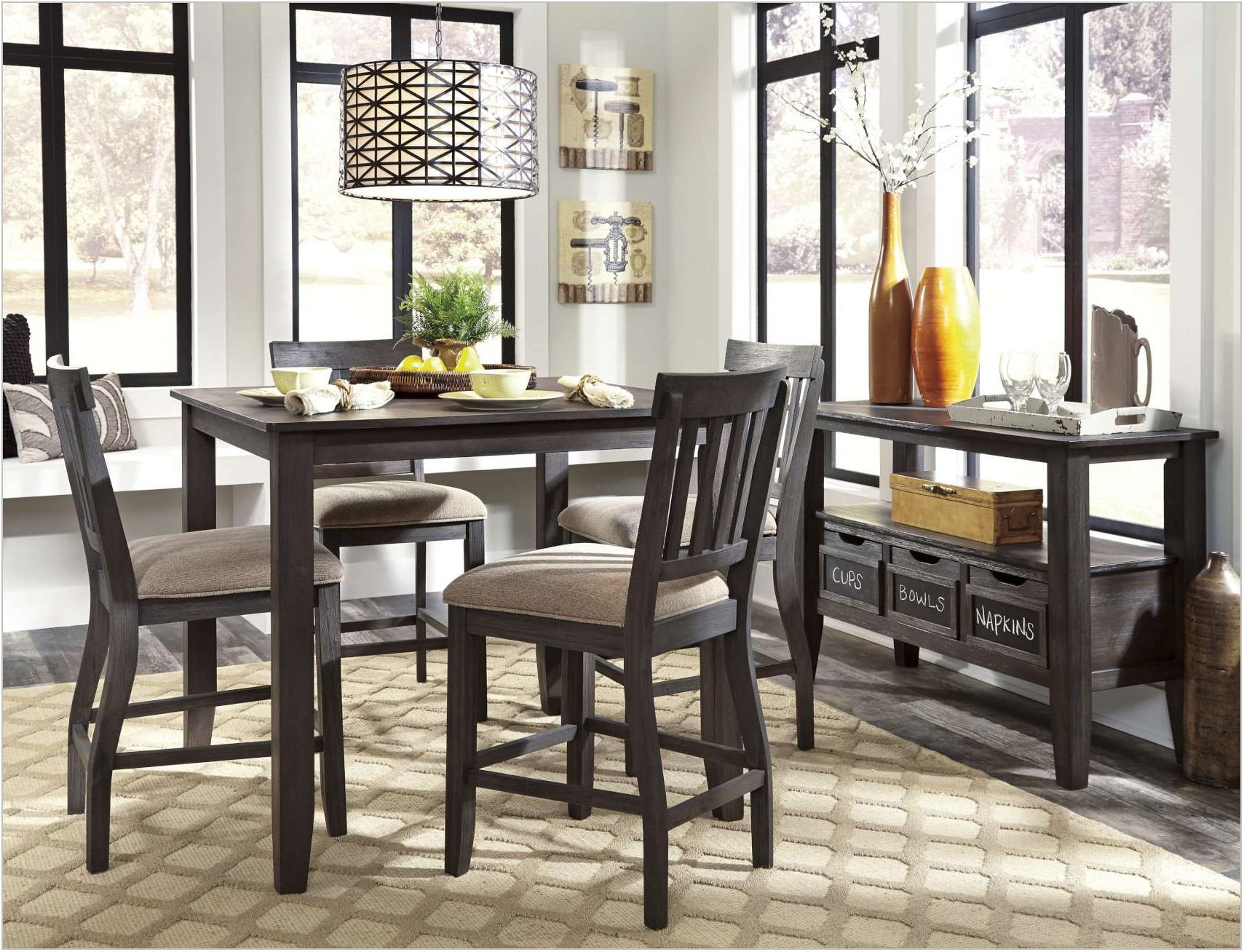 Dresbar Dining Room Server
