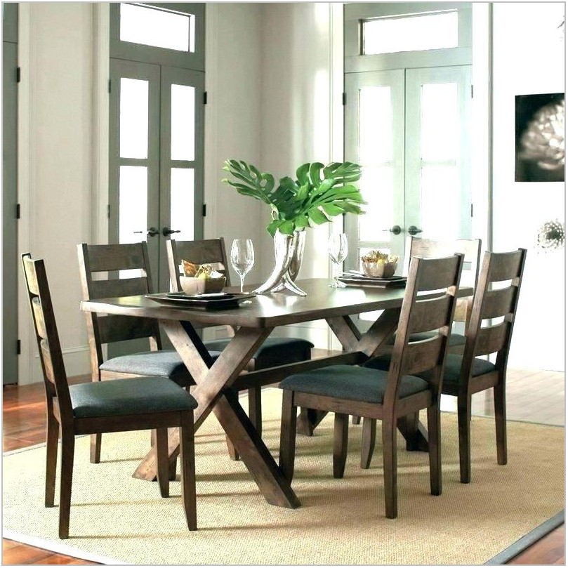 Dresbar Dining Room Table Set