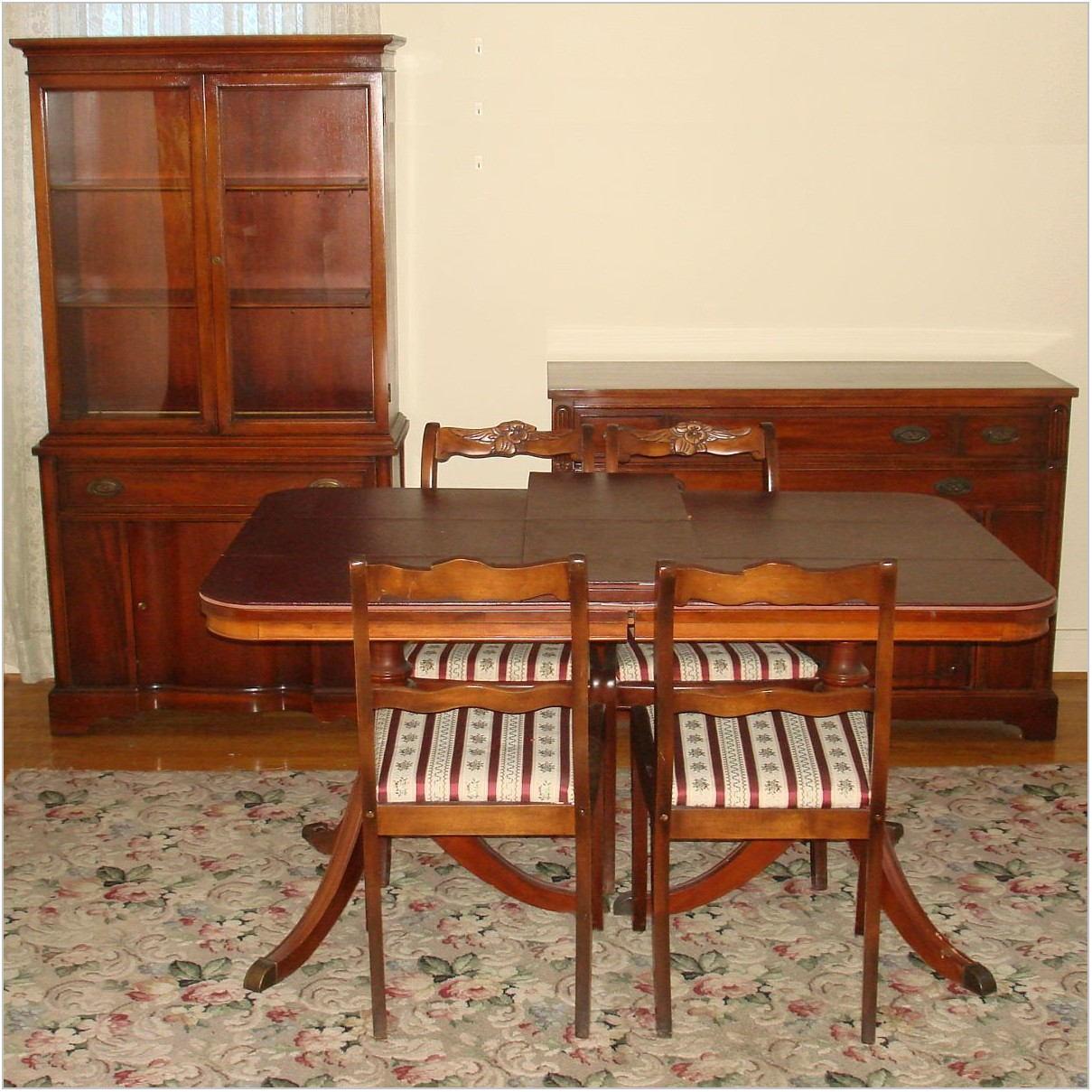 Duncan Phyfe Mahogany Dining Room Set