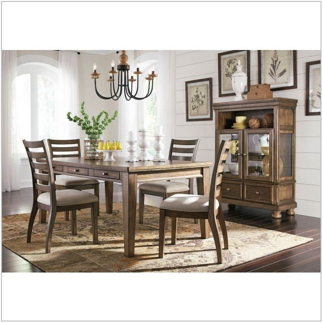 Flynnter Dining Room Set