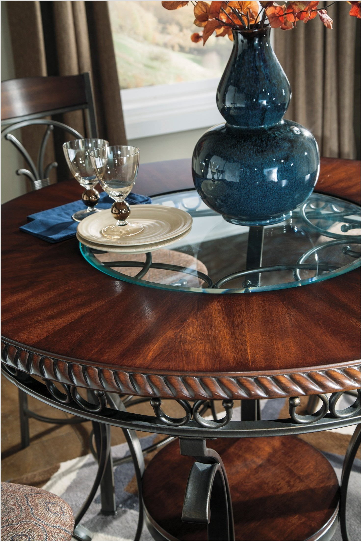 Glambrey Counter Height Dining Room Set