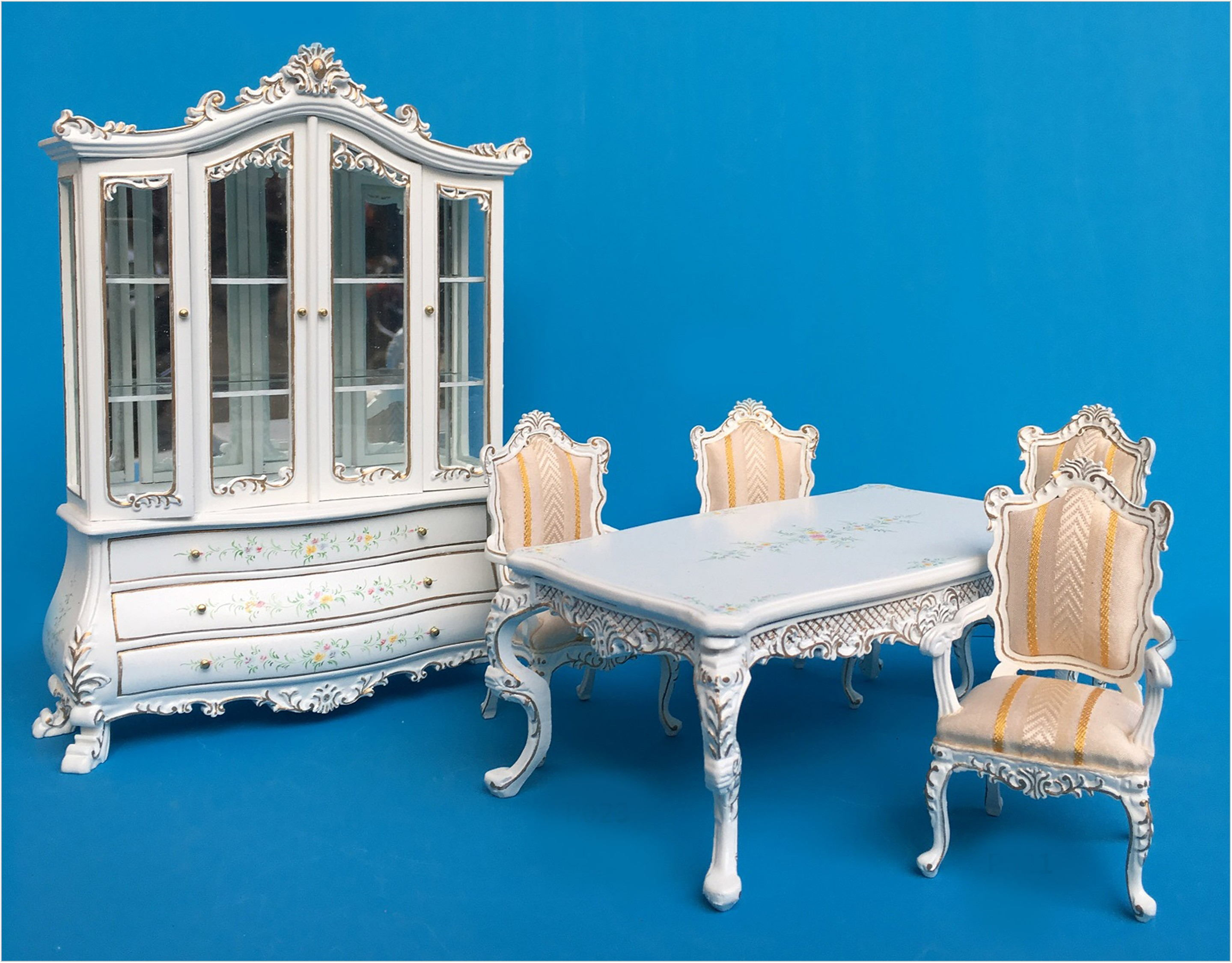 Majestic Dining Room Set