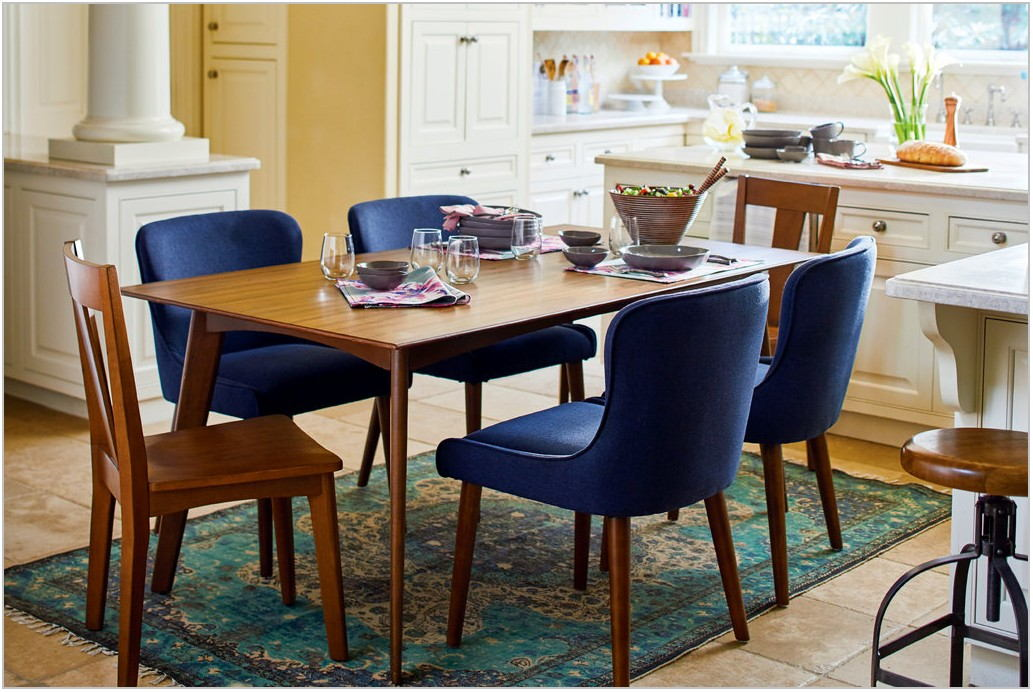 Mayflyn Dining Room Set