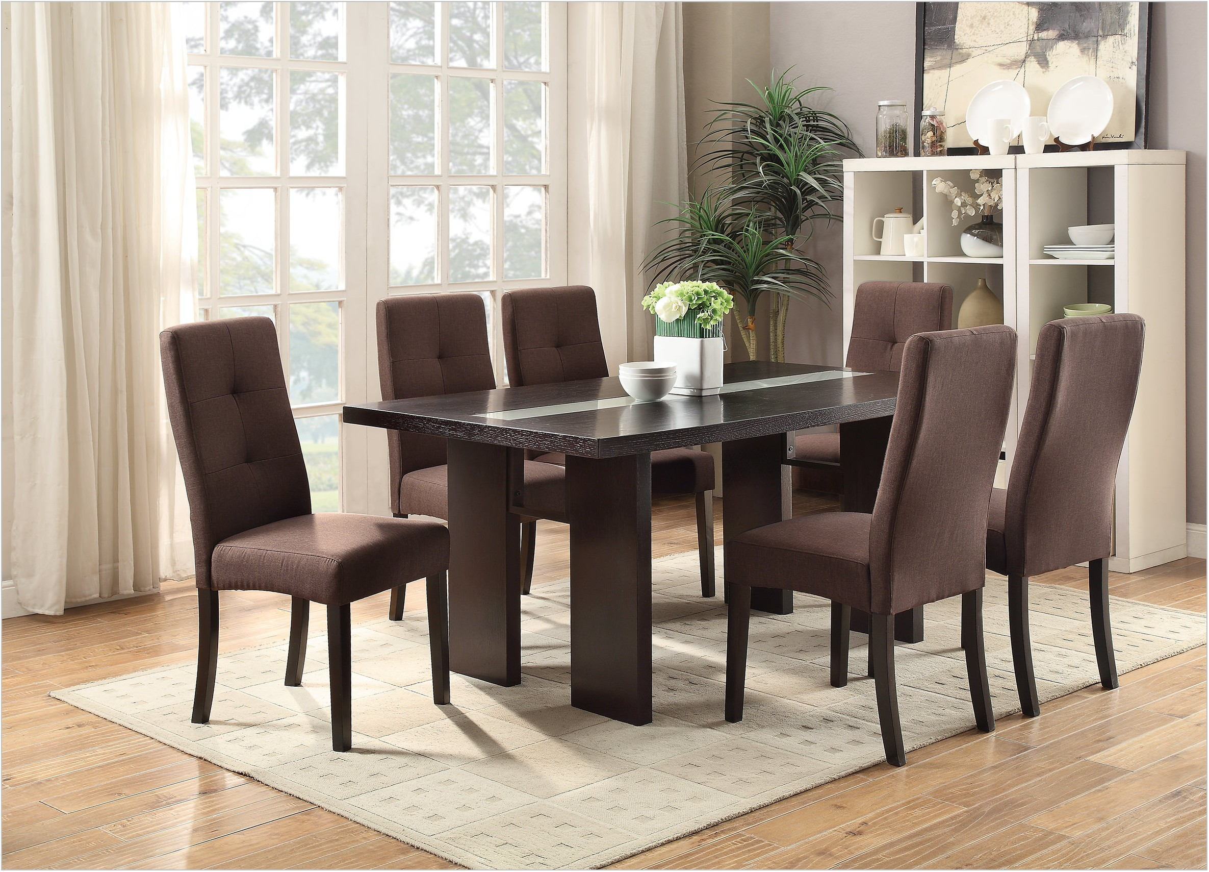 Noah Vanilla Dining Room Set
