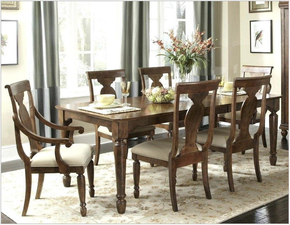 Pennsylvania House Dining Room Set For Sale