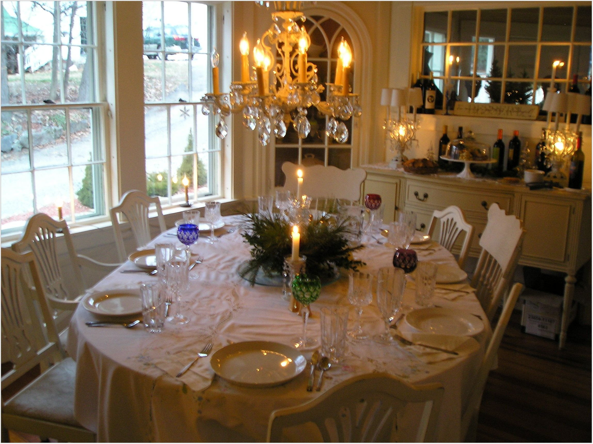 Pictures Of Decorated Dining Room Tables