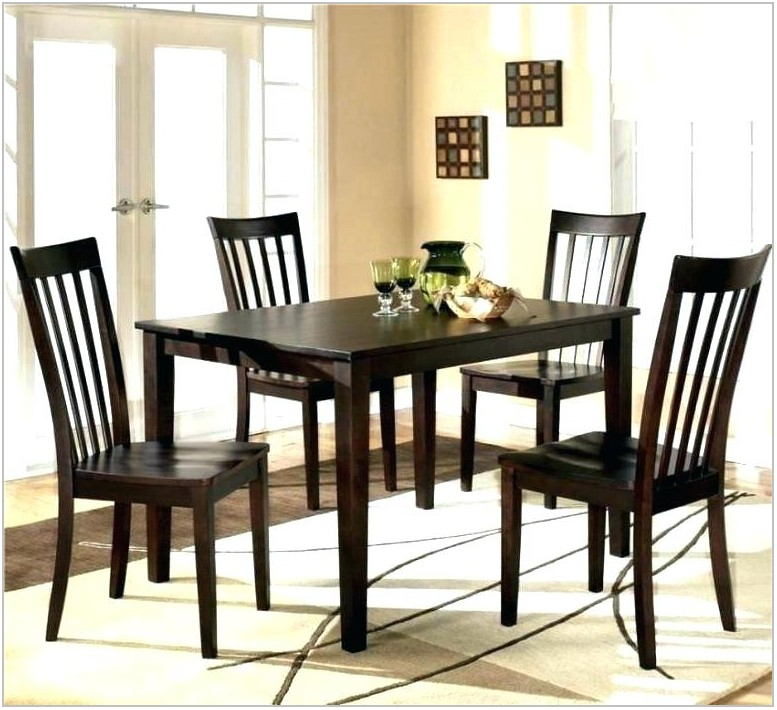 Porter Oval Dining Room Table