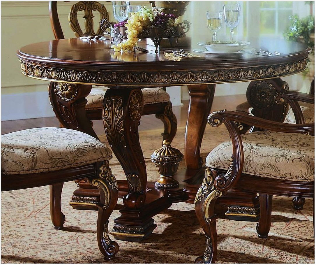 Pulaski Dining Room Furniture Sets
