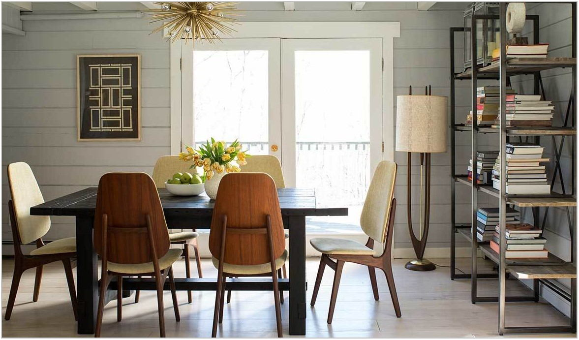 Puluxy Dining Room Table And Chairs