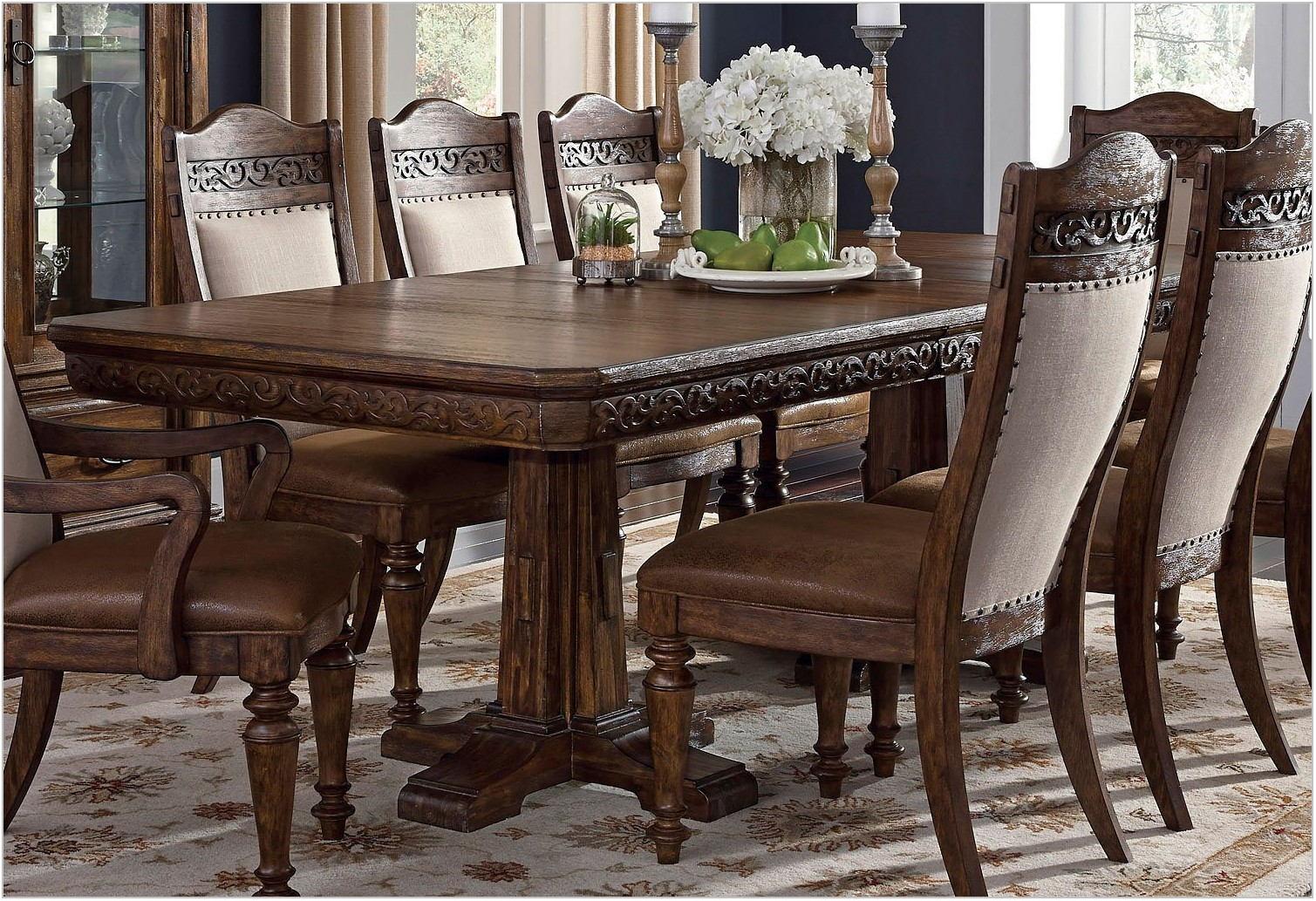 Samuel Lawrence Dining Room Furniture
