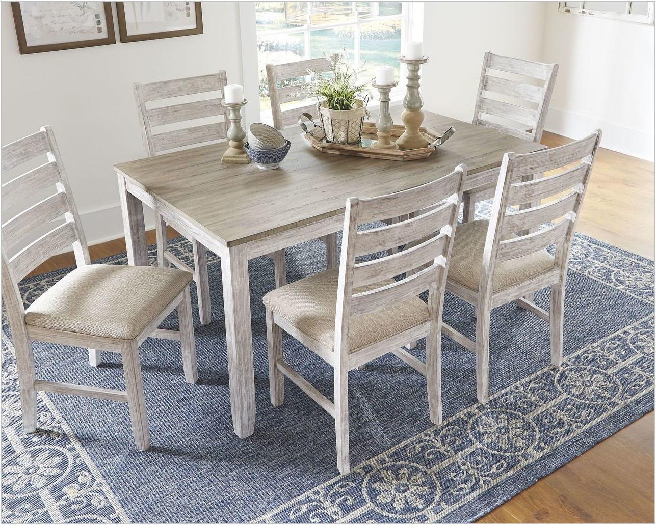 Skempton Dining Room Table Set