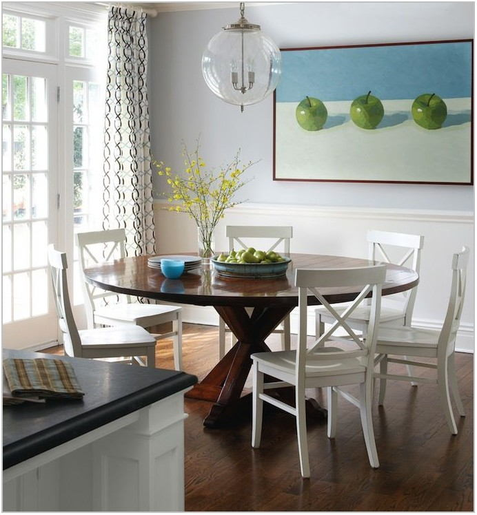 Small Dining Room With Round Table