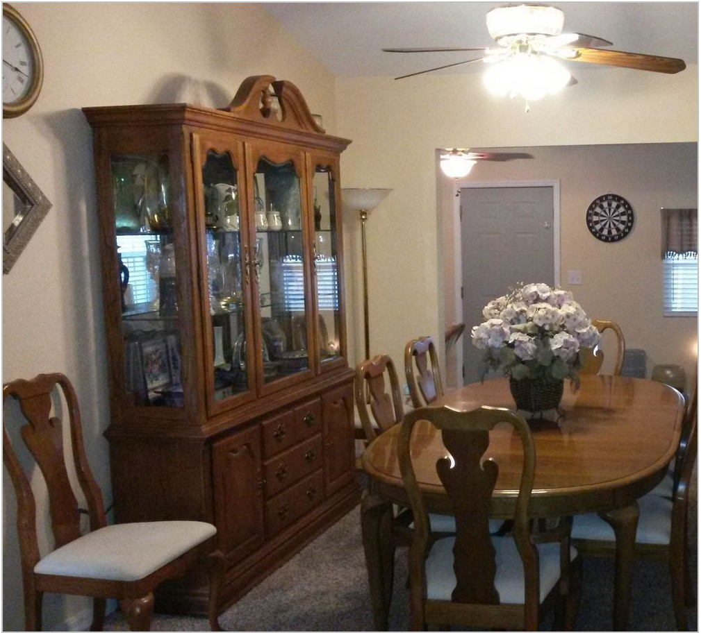 Used Dining Room Sets With Hutch