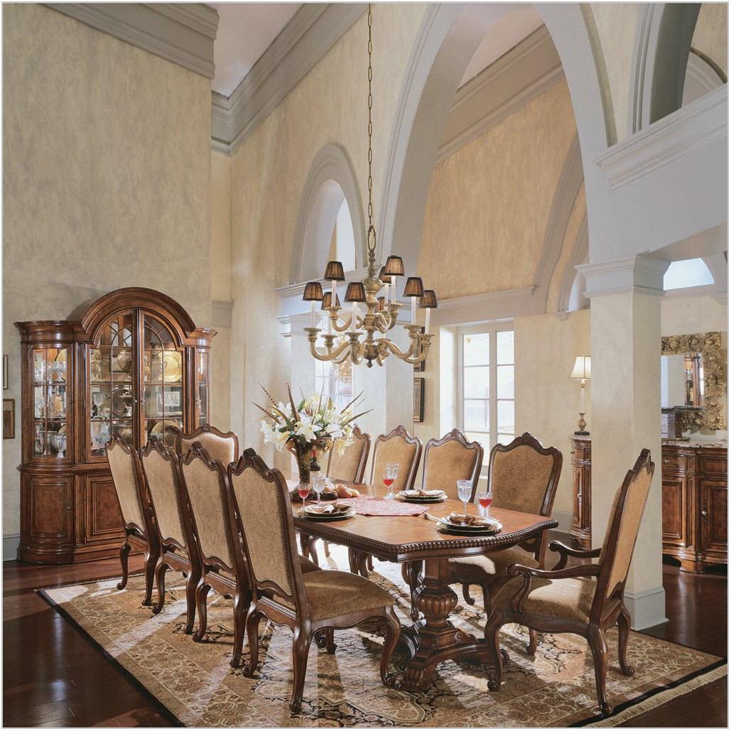 Villa Cortina Dining Room Set