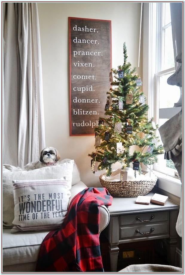 How To Decorate My Small Living Room For Christmas