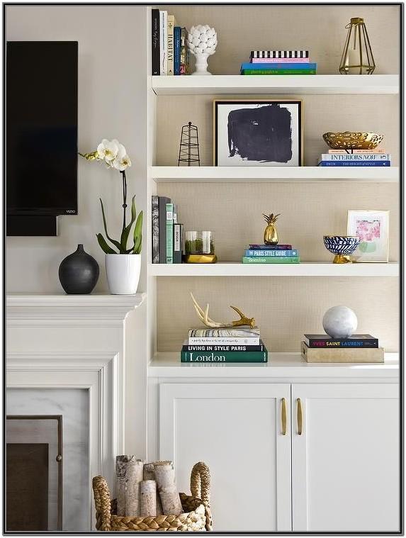 Living Room Bookshelf Decor