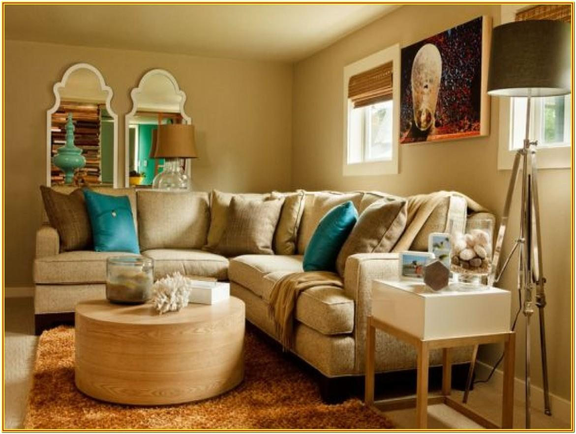 Living Room Decorated In Turquoise And Brown