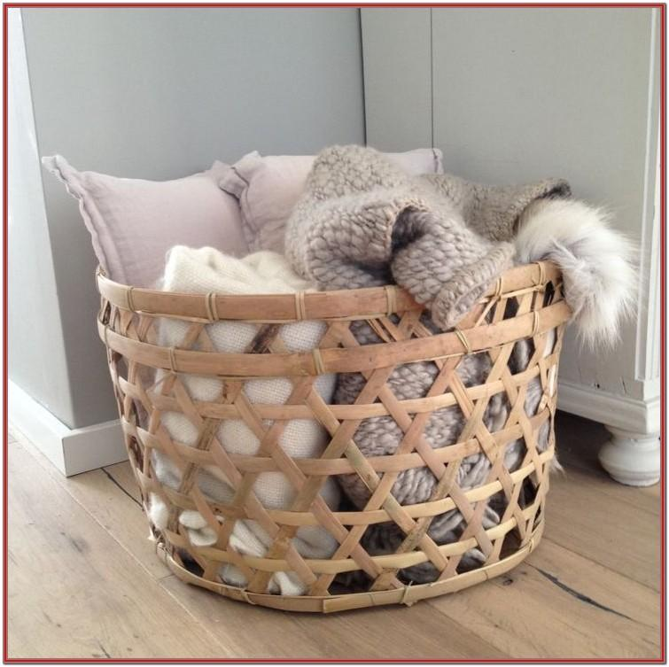 Living Room Throw Blanket Storage Ideas