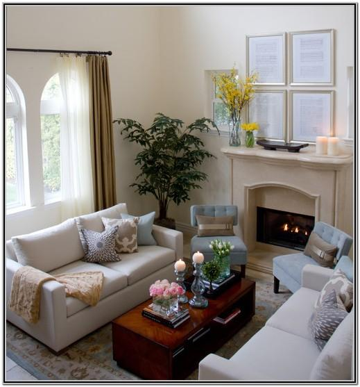 Small Traditional Living Room Design